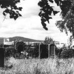 Alter Friedhof, im Hintergrund das MTZ