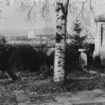 Alter Friedhof, im Hintergrund wird das MTZ gebaut