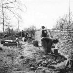 Arbeiten an der Friedhofsmauer